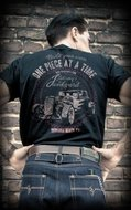 T-Shirt Johnny's Junkyard.1